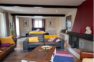 La Roseraie Sentheim Chambre 1 salon et cheminée